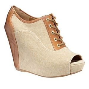 Gianni Bini peep toe lace up wedge booties